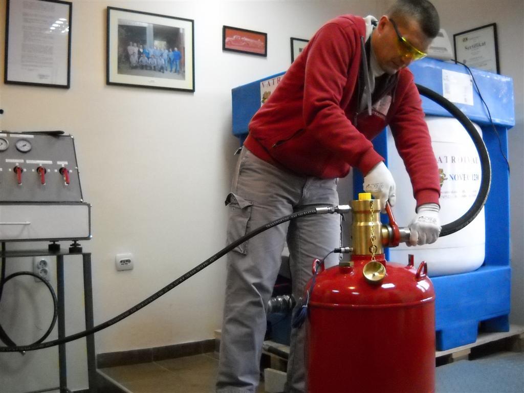 شارژ كپسول های آتش نشانی